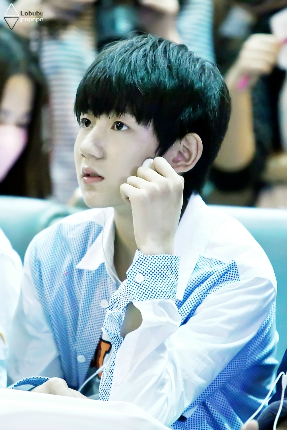 H nh nh 140521 tfboys huanghua airport ver 1 for Www newhouse com